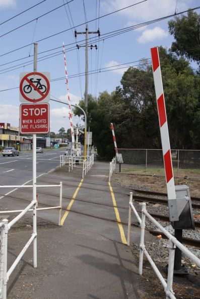 Pedestrian boom barriers at the Scoresby Road level crossing at Bayswater