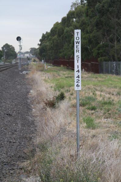 Tower Street pedestrian crossing on the RRL tracks at Ardeer - 14.426 km from Melbourne