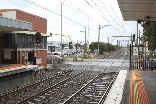 Station Street level crossing at the up end of Carrum station