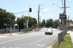 Traffic lights at the Bedford Road level crossing