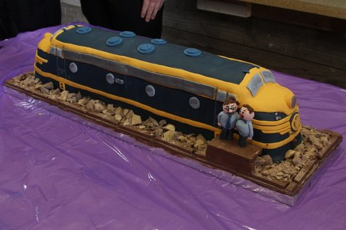 Locomotive B74 in cake form
