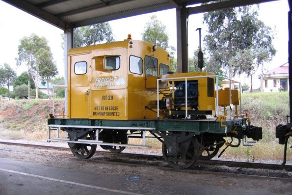 RT20 stored under the freight gate roof at Swan Hill