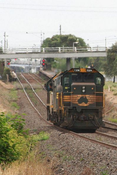 X42, T400, A77 and T374 running light engine from Geelong Loco to North Geelong Yard