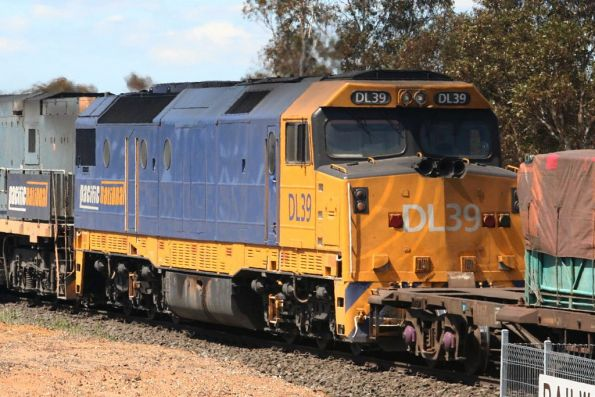 DL39 in PN livery at Inverleigh