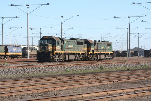 XR552 and X44 head light engine through North Geelong Yard
