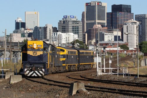 T413 leads the light engine move after a reversal at West Tower