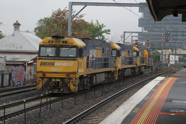 AN6 leads NR64, NR38 and NR7 on an up light engine move from Spotswood to Dynon