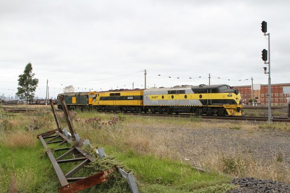 SSR locomotives 442s1 leads GM22 and GM27 light engine from Seymour to Appleton Dock