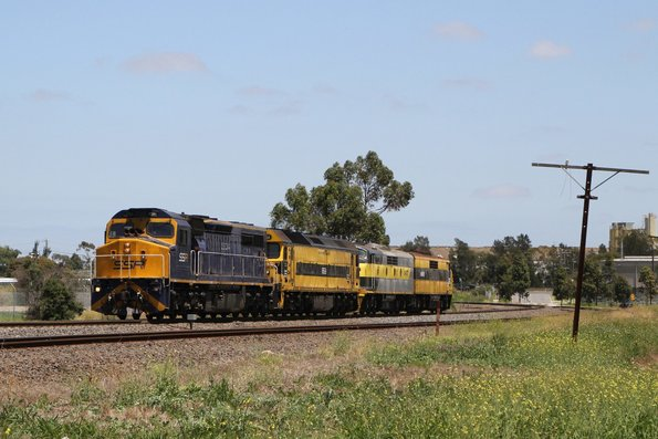 C504 leads G513, GM22 and GM27 light engine from Appleton Dock back to New South Wales
