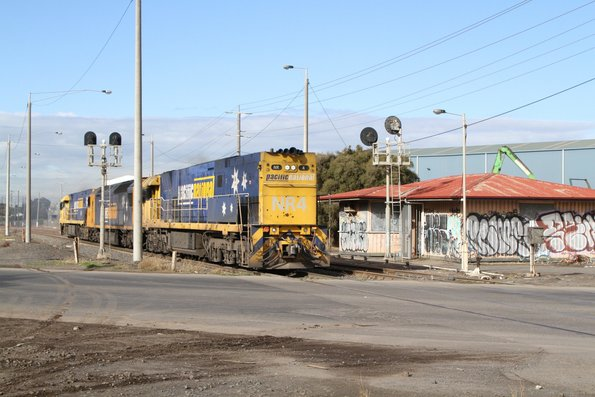 NR4 long end leading with AN8 and NR69 at Brooklyn, headed light engine from UGL Spotswood to South Dynon