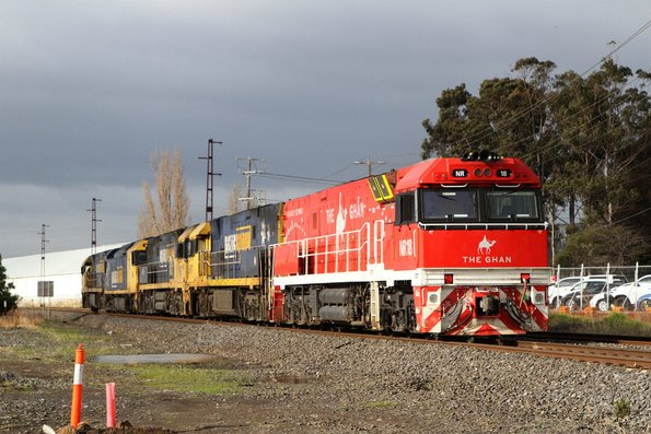NR10 leads AN9, NR73, NR71 and Ghan liveried NR18 on the down from Dynon to UGL Spotswood at Brooklyn