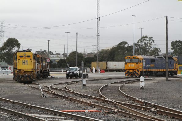 H1, T371 and Y152 stabled at South Dynon, alongside resident shunter 8115