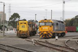 South Dynon shunter 8115 alongside stored locomotives H1, T371 and Y152
