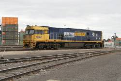 NR60 arrives light engine at the Melbourne Freight Terminal