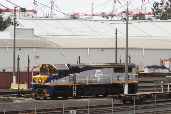 VL358 stabled at the North Dynon fuel point