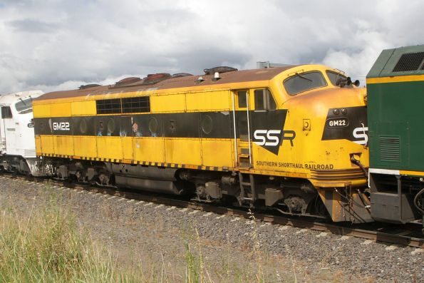 SSR liveried GM22 in the consist of SSR 3KN1 northbound grain at Sunshine