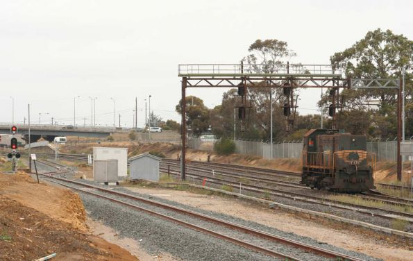 Y171 returns from North Shore at North Geelong Junction