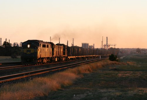 A78, T374 and H2 power the empty log train out of Corio