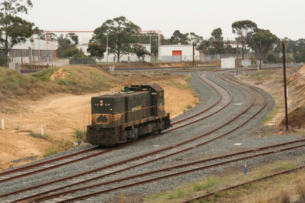 H4 heads back to North Geelong, passing the grain loop