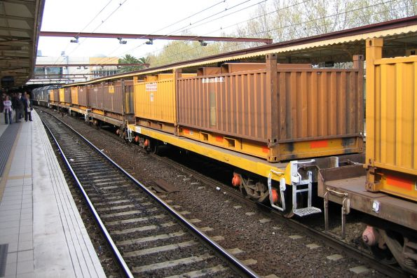 RKLX wagons roll through Flinders Street track 9A