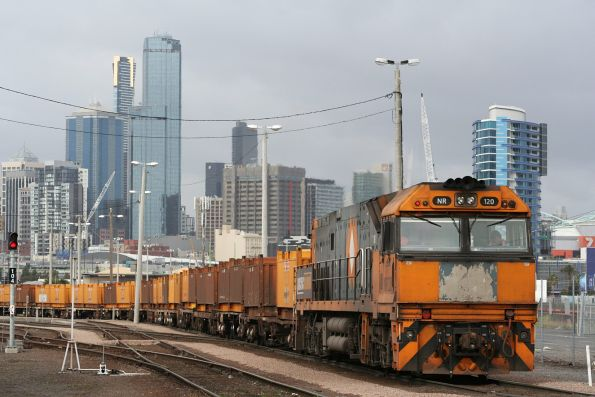 NR120 shunts the standard gauge part of the Melbourne Steel Terminal