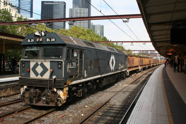 BL29 on the down load of 'butterbox' coil steel containers through Flinders Street track 9A