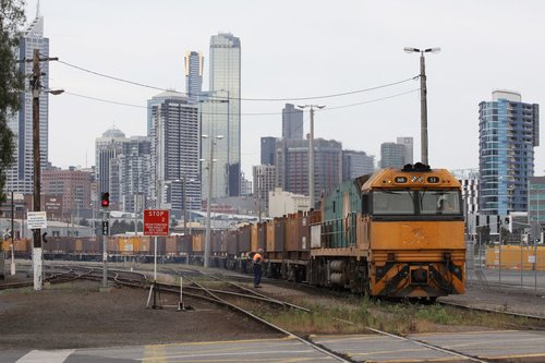 Trailerail liveried NR53 shunts standard gauge wagons at the Melbourne Steel Terminal