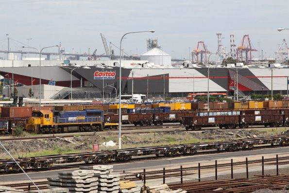 XR551 stabled at the Melbourne Steel Terminal