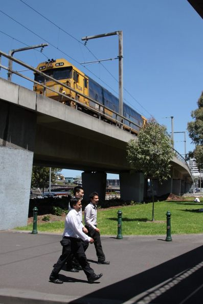 BL34 leads the down steel train across the viaduct towards Flinders Street Station
