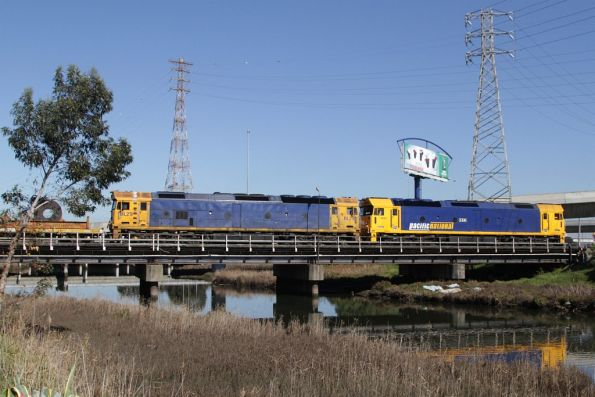 G541 and BL29 above Moonee Ponds Creek as they shunt the Melbourne Steel Terminal