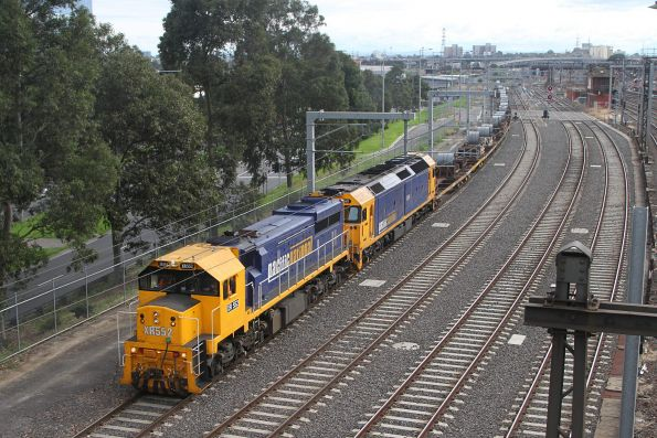 XR552 and G541 on the down steel train approach Southern Cross