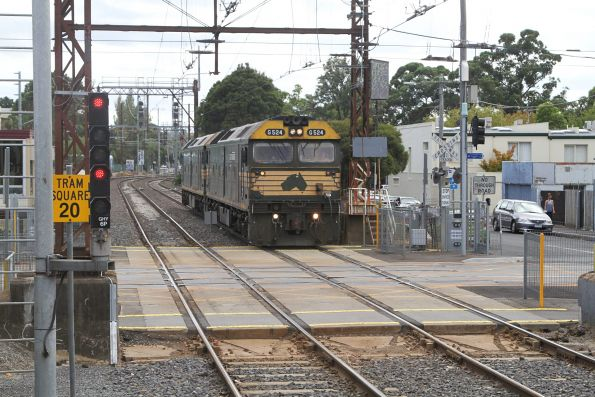 G524 leads G528 light engine through Glenhuntly on the down