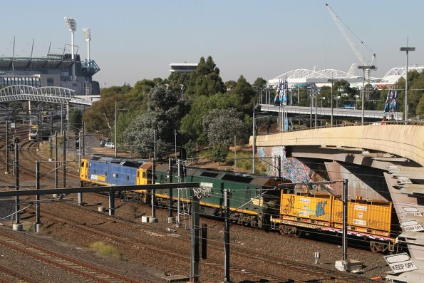 G527 leads G528 on the down Long Island steel train at Flinders Street