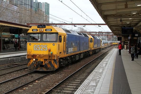 G525 and G536 lead the down Long Island steel train through Flinders Street track 9A
