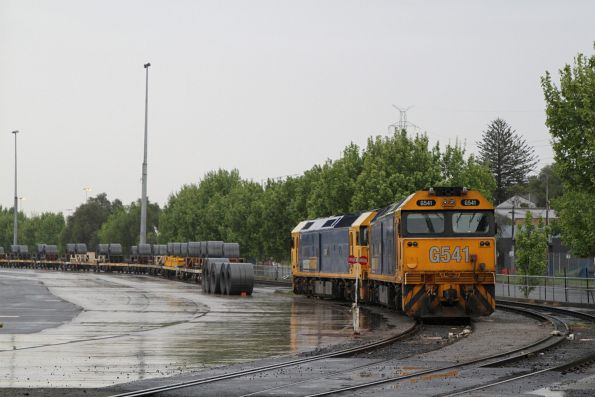 G541 and G536 ready to depart the Melbourne Freight Terminal
