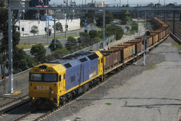 BL34 with a down load of 'butterbox' coil steel containers at Southern Cross