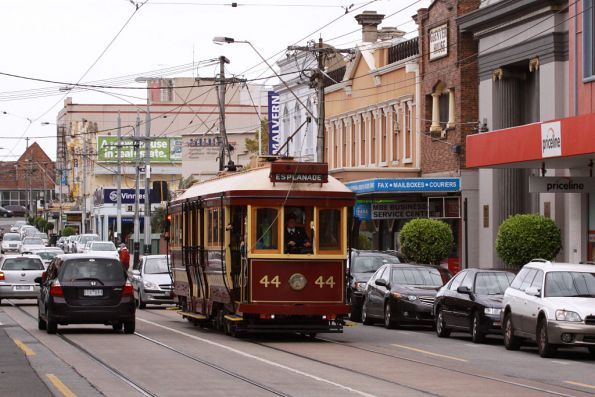 Tram 44 crossing over the railway line northbound on Glenferrie Road