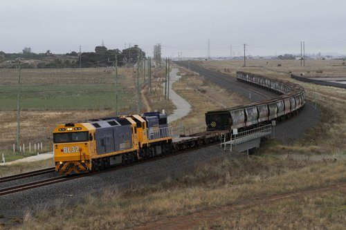 BL32 and XR554 lead the Geelong bound 'hospital train' wagon transfer through Truganina