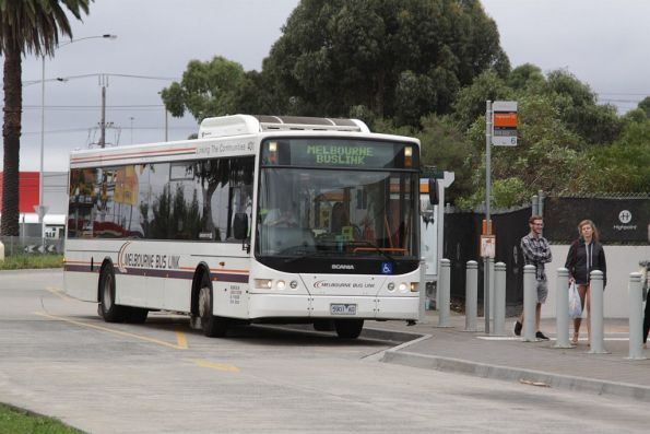 Melbourne Bus Link #401 5901AO at Highpoint Shopping Centre