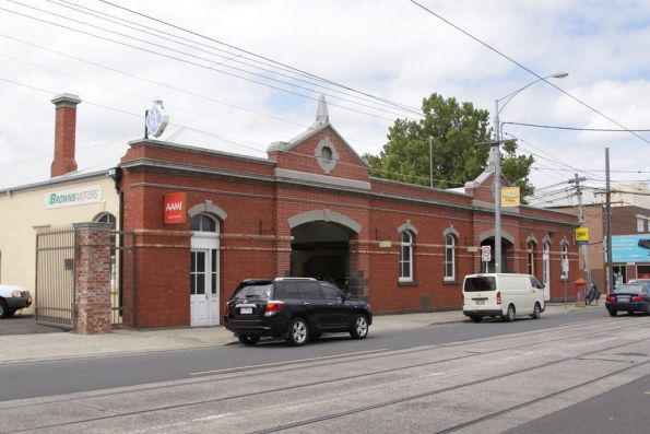 Former Northcote Cable Tram Building, beside route 86