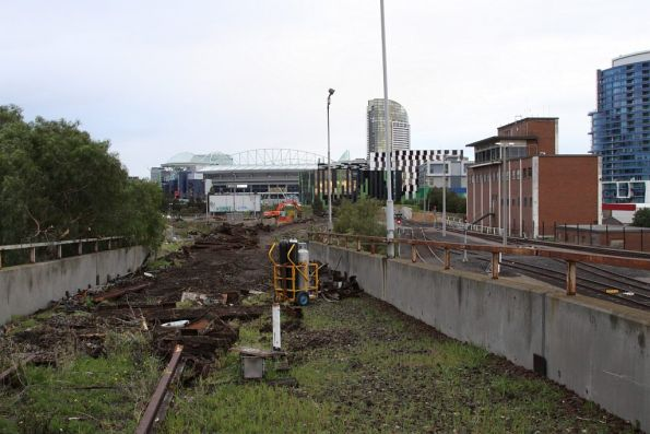 Reclaiming the steel rails and hump retarders for scrap metal