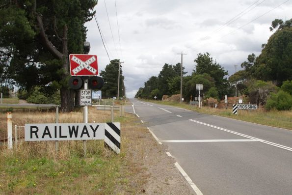 Level crossing at Bayview Road for the disused Cresco siding