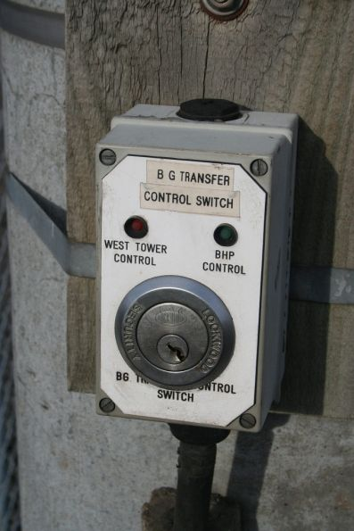 Key switch for signalling outside the Melbourne Steel Terminal