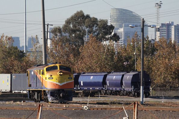 42107 stabled at North Dynon, broad gauge WGSY grain wagons in the background