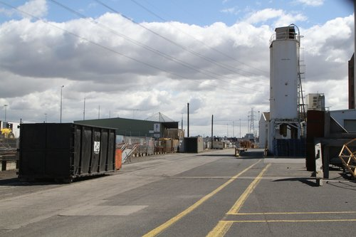 Empting out the Manildra warehouse at West Melbourne