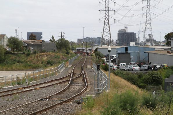 Broad gauge connection split away from the standard gauge headshunt at the city end of the North Dynon