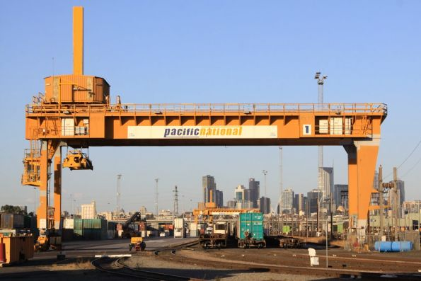 Malcolm Moore crane at the west end of the Melbourne Freight Terminal