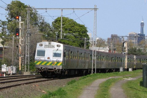 Hitachi on a Showgrounds service near the Broadmeadows line junction