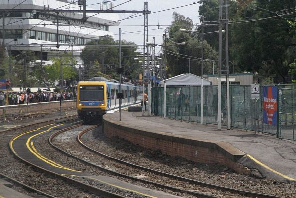 X'Trapolis train waits at Flemington Racecourse platform 2