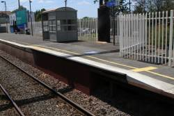 Raised wheelchair ramp at the up end of Ivanhoe platform 1